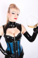 215_3_2015-07-06-domina-esther-05.jpg