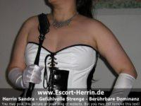 escort-herrinsandra-09-4-800x600.jpg